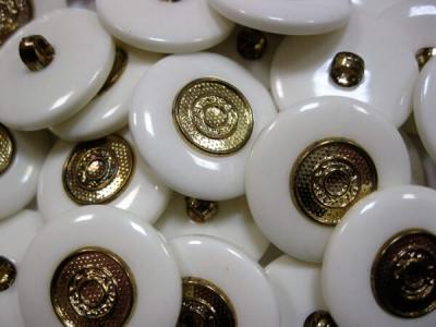 Пуговицы Золото окантовка белая