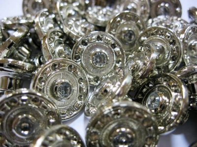 Пуговицы пробивные «Стразик» металлические уп. 25 шт.