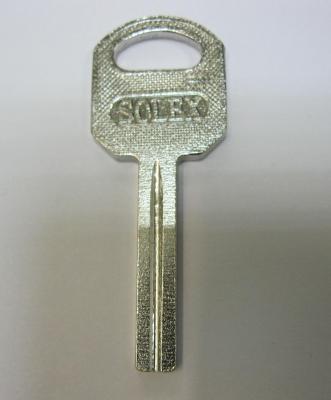 Заготовка для ключей 00010 Solex квадрат с пазом (30*5.5*2.9мм)