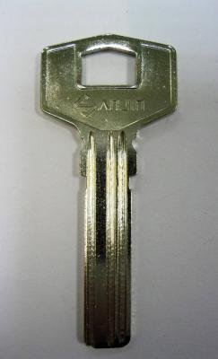 Заготовка для ключей 00540 SANJIN металлическая 3 паза левая (31,5*8,4*2,24мм)