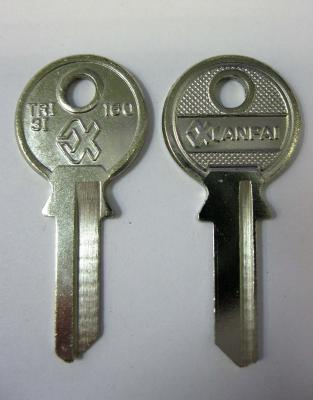 Заготовка для ключей 00070 TRI3I_TR9_TL9R_TRC10L TriCircle Английские