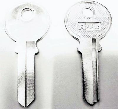 Заготовка для ключей 00073 TRI5I_TR3_TL6R_TRC30L TriCircle Английские