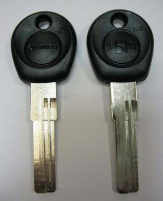 Заготовка для ключей вертикальная 00576 MLP-2D пластик, кв., спец, правый 2 паза