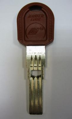 Заготовка для ключей 00594 LM-3DP MasterLock-LM 3+1 паз с отверстием (Scorpion) вертикальная