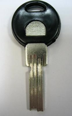 Заготовка для ключей 00619 КС 901-3D 3 паза (kc901 левый) вертикальная