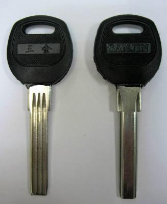 Заготовка для ключей 00661 BAODEAN пластик полукруг 3 паза (38*8,0*2,67мм)