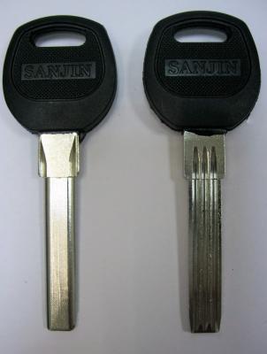 Заготовки для ключей 00664 D-158 пластик вертикальная полукруг 3 паза (37мм*7,8мм)