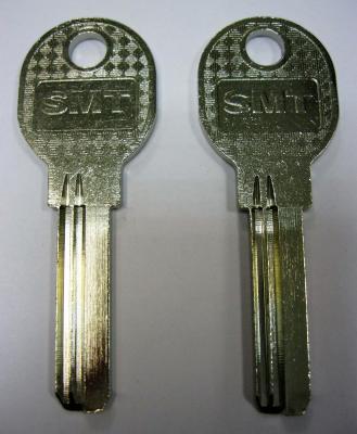 Заготовка для ключей 00510 BRONSTA-MCM SMT (31,9*2,47*8,6) вертикальные