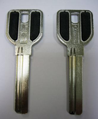 Заготовка для ключей 00521 MCM-4D_X_MCM1_X_MCM ручка с пластиковыми вставками (MCM) 2 паза 38 мм вертикальная