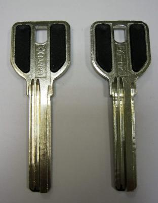 Заготовка для ключей 00525 MCM6D_X_MCM2_x_MCM ручка с пластиковыми вставками (new MSM 3 паза 38мм) верикальные