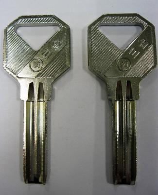 Заготовка для ключей 00637 проф (Э) 2 паза (8,0*35мм) вертикальная