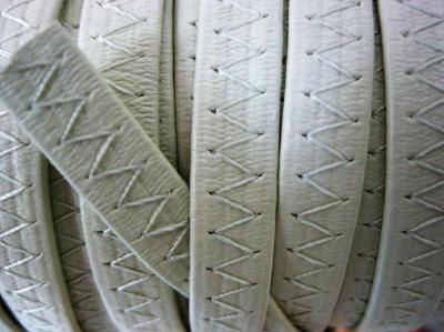 Резинка босоножная в кожаной оплетке 8 мм белая Италия