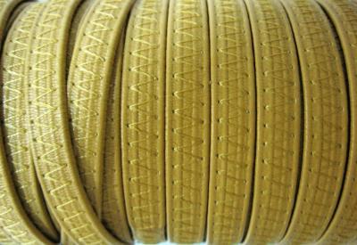 Резинка босоножная в кожаной оплетке 8 мм бежевая Италия