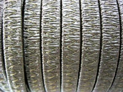 Резинка босоножная в кожаной оплетке 6 мм темно-коричневая Италия