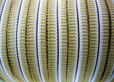 Резинка для пряжек 8 мм бежевая с белой полосой полиэстер