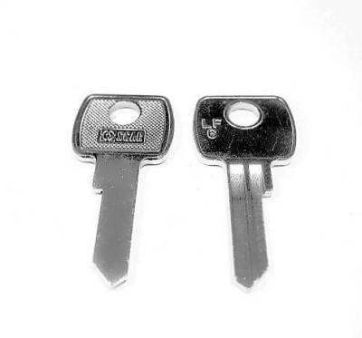 Заготовка для ключа OSCAR LF-6 английская 2 паза