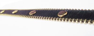 Кожаный браслет с хольнитенами чёрный