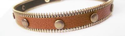 Кожаный браслет с хольнитенами коричневый