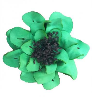Декоративный цветок из кожи зелёный с чёрной сердцевиной