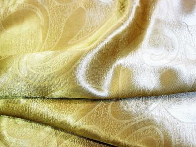 Портьерная ткань Блэкаут цвет золото рисунок завиток и листик