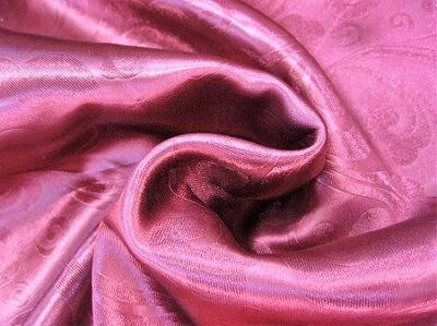Портьерная ткань Блэкаут цвет бордово-красный рисунок завиток