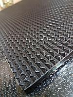 Набоечный лист черный 300х350х6 мм
